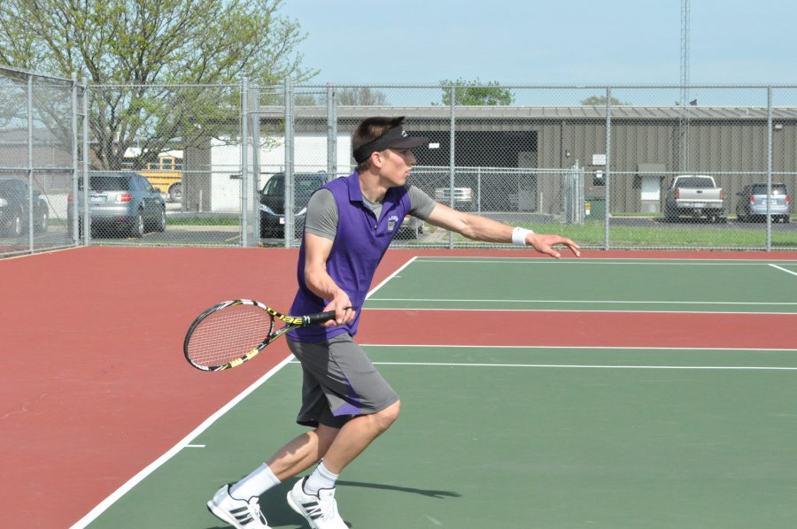 Boys tennis starts season off strong