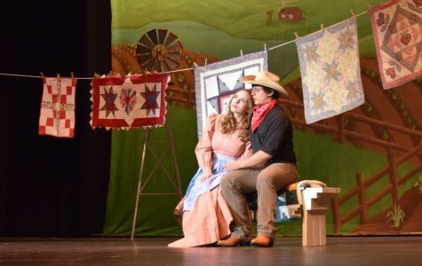 """The leads of the musical """"Oklahoma!"""""""