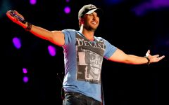 Chart-topping country music star Luke Bryan to perform in Baldwin City